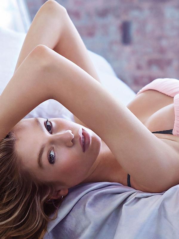 Stella Maxwell (46 фото)
