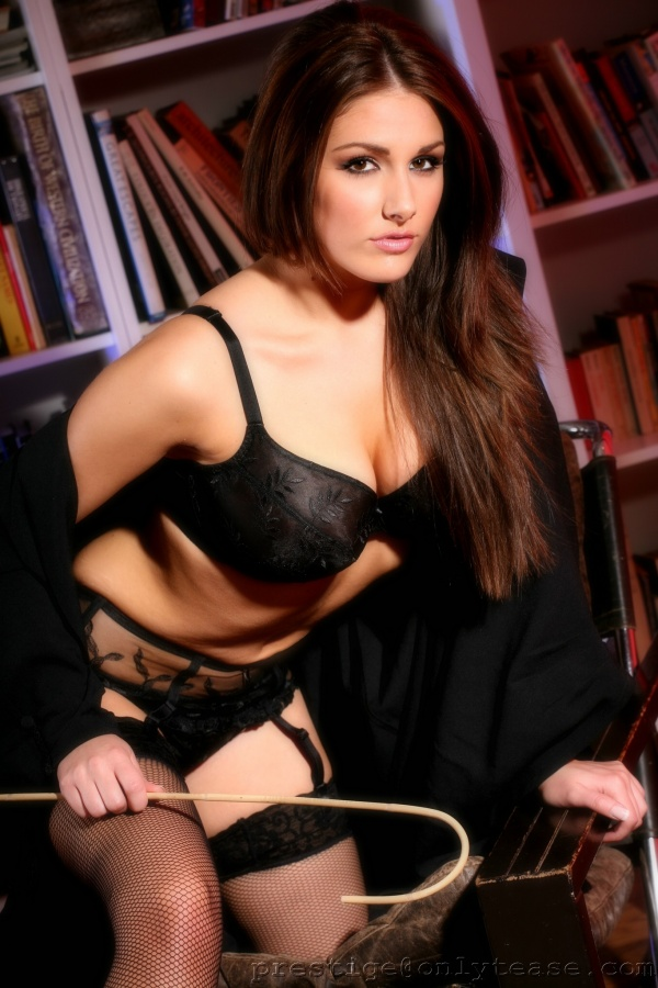 Lucy Pinder (150 фото)