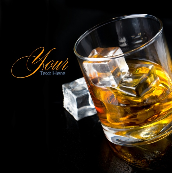 Whiskey in glasses (15 фото)