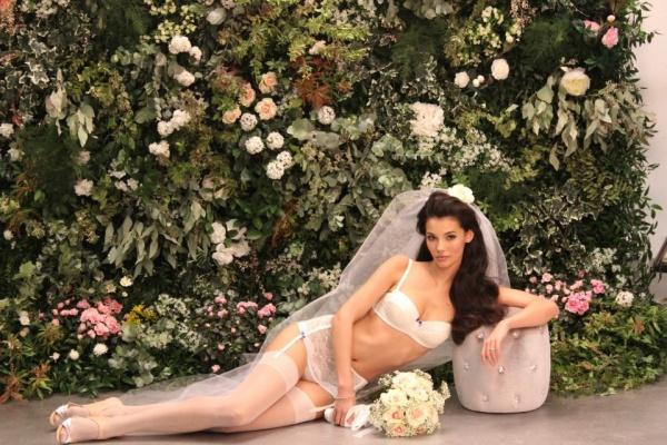 Что надеть на свадьбу? (40 фото)