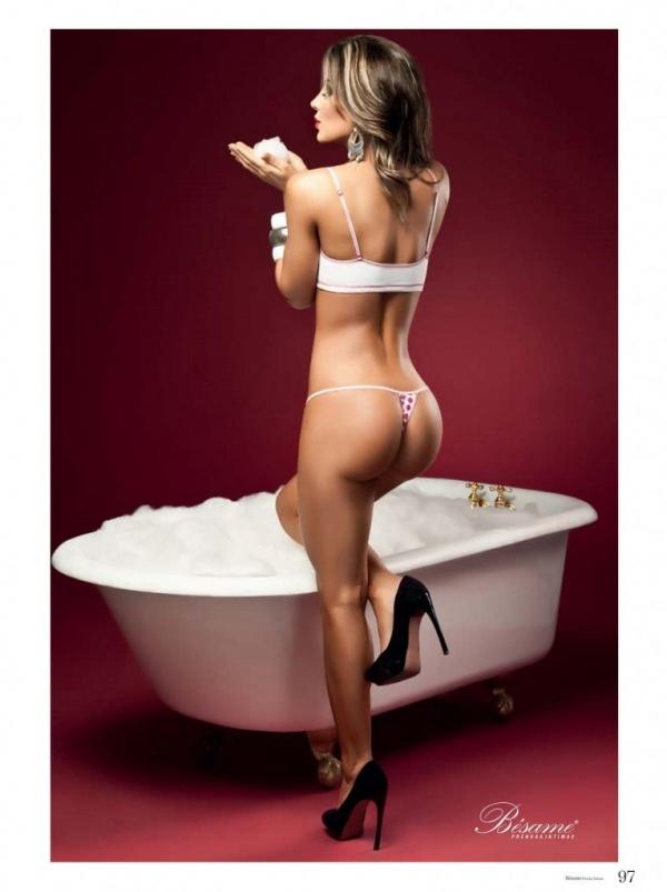 Natalia Velez (74 фото)