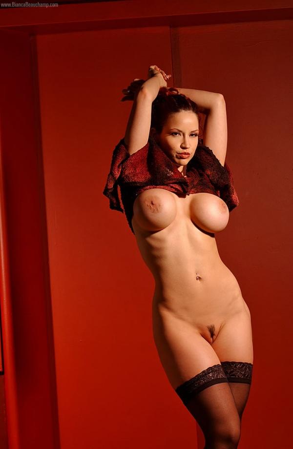 Смотреть бесплатно фото голая бьянка
