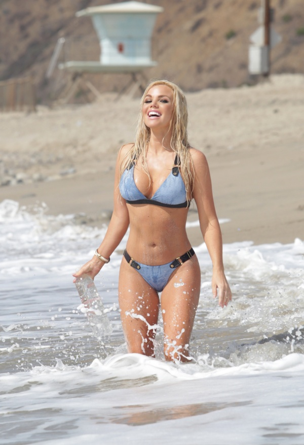 Colleen Shannon - 138 Water Photoshoot 2014 in Malibu (28 фото)