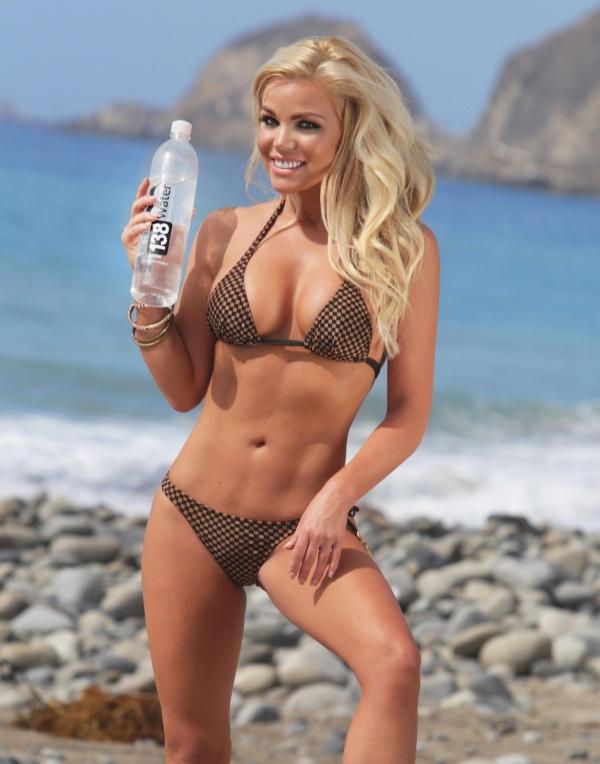 Colleen Shannon - 138 Water Photoshoot 2014 in Malibu (28 фото)
