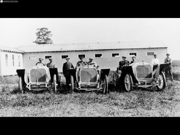 История Mercedes-Benz в фото и картинках