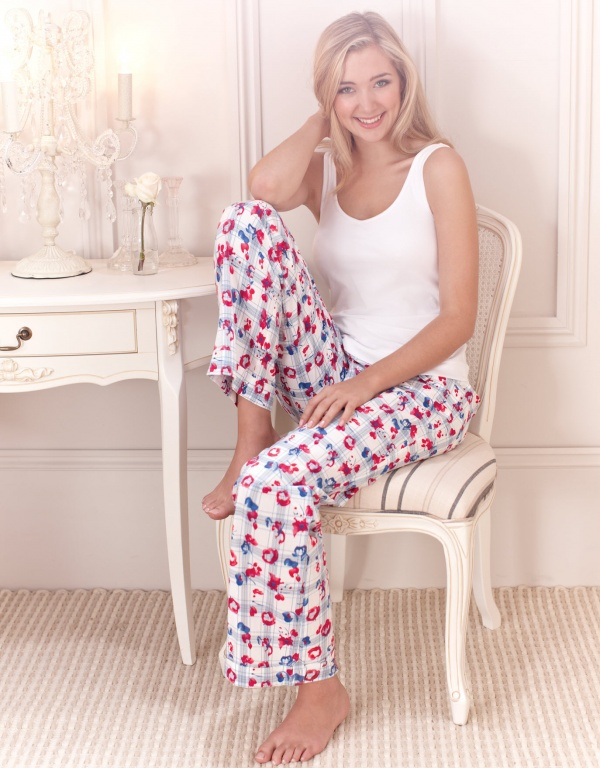 Penelope Simpson - Bravissimo Lingerie (28 фото)