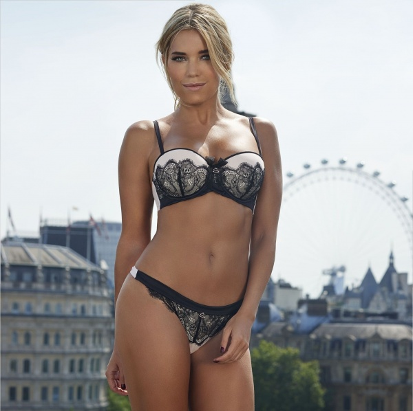 Sylvie van der Vaart - Hunkemoeller Lingerie Collection 2014 (27 фото)